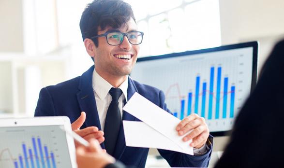 Salaire banquier : payements annuels, primes, critères de négociation